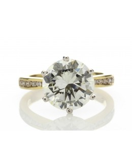 18ct Yellow Gold Single Stone Claw Set With Stone Set Shoulders Diamond Ring 4.13 Carats