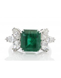 18ct White Gold Emerald Cluster Claw Set Diamond And Emerald Ring (E 5.40) 1.80 Carats