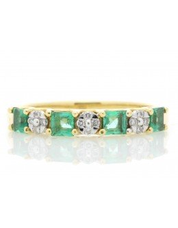 18ct Yellow Gold Claw Set Semi Eternity Diamond And Emerald Ring (E 0.55) 0.80 Carats