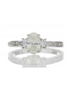 18ct Single Stone Claw Set With Stone Set Shoulders Diamond Ring (0.81) 1.05 Carats